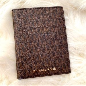 Michael KORS wallet/passport holder
